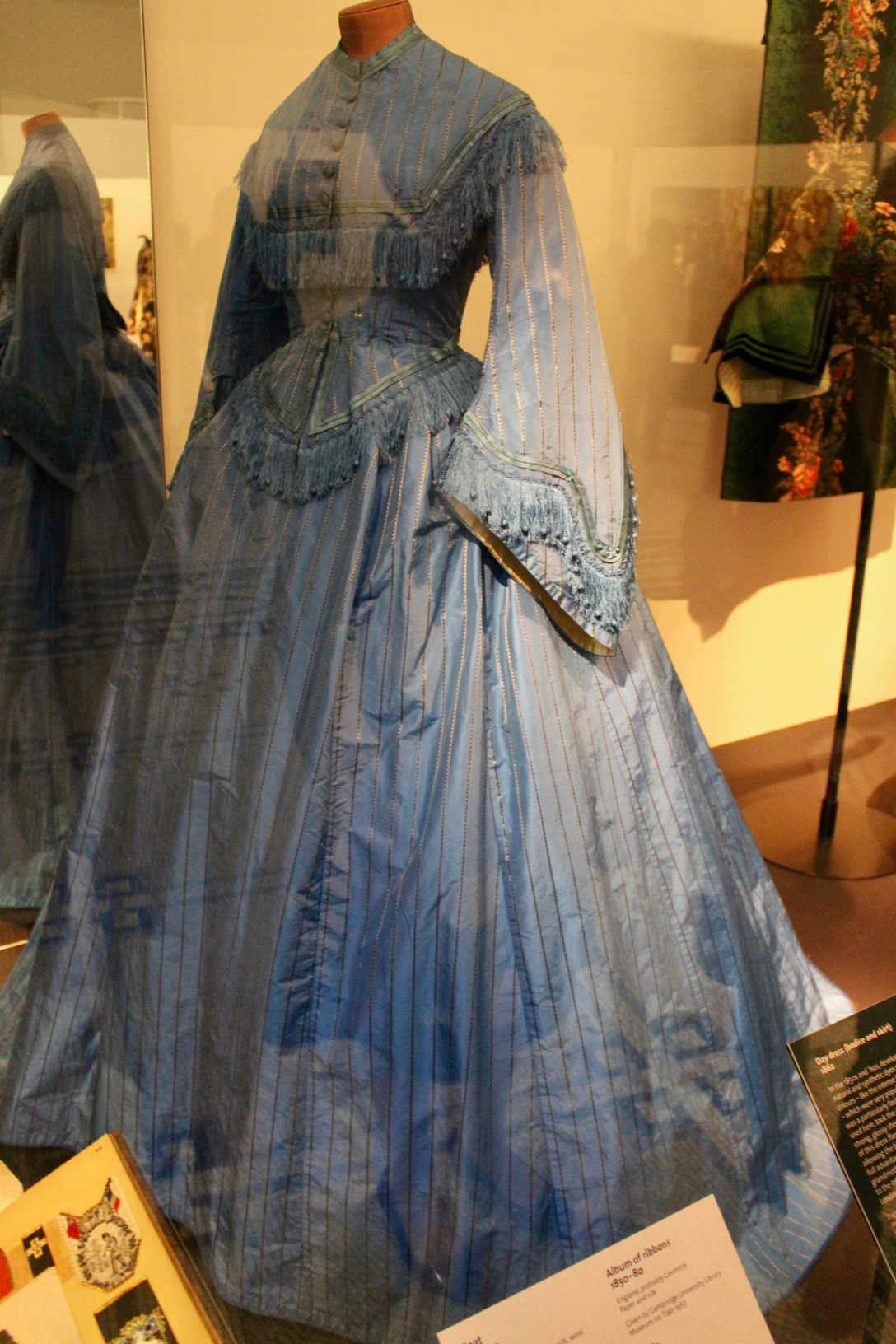 Victoria And Albert Museum Fashion Rooms And Analysis Of Dress D E S I G N O R I G I N S